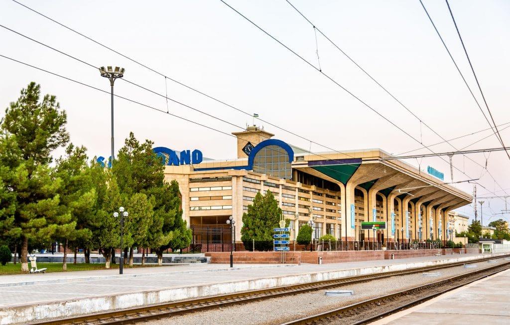 Estacao comboio em Samarkand