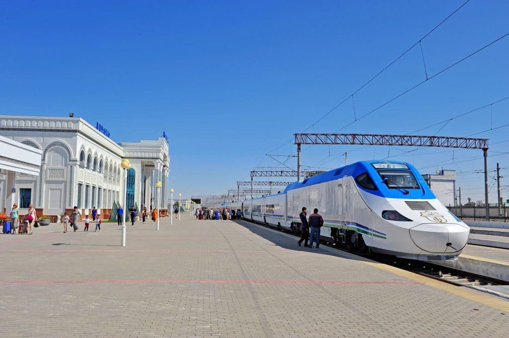 Estacao comboio em Bukhara